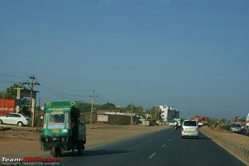 Name:  Road to Udaipur  12.JPG