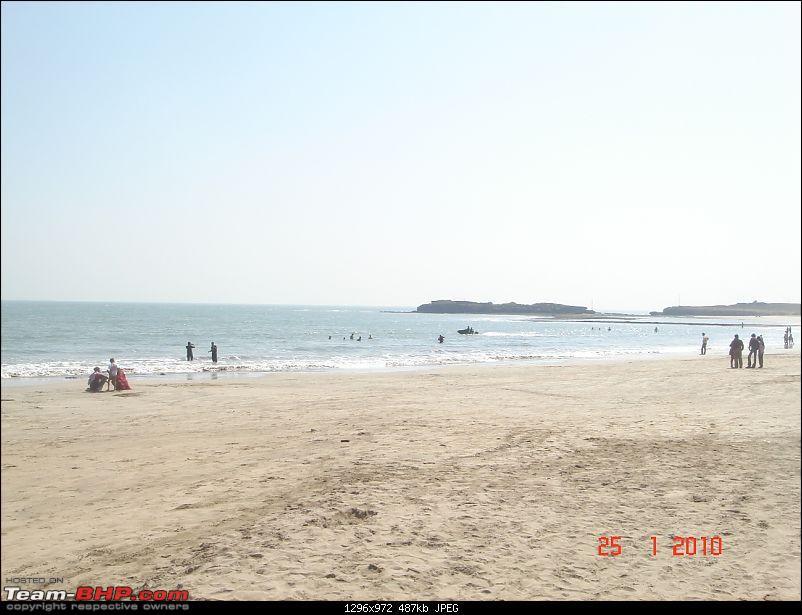 The Lion, The Beach & The Shrine Eternal (Sasan Gir, Diu & Somnath)-diu-beach.jpg