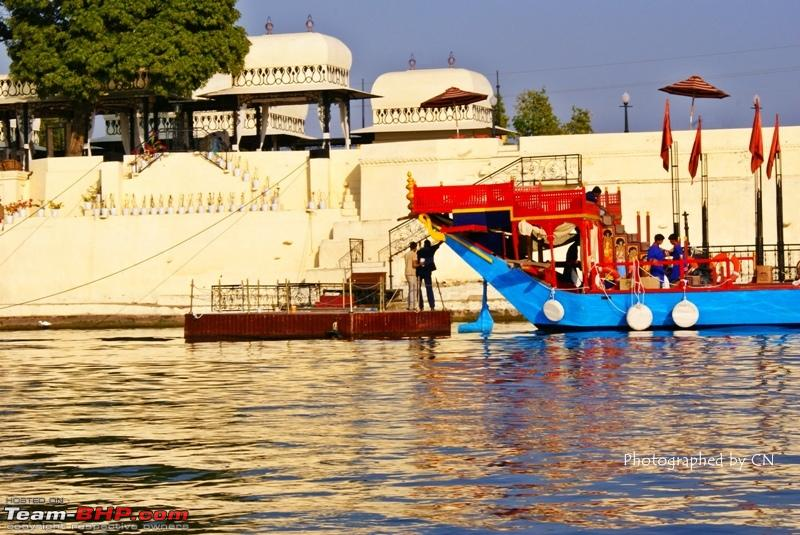 Name:  Boat ride _ Pichola Lake_City Palace and surroundings 5.JPG