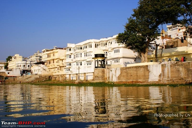 Name:  Boat ride _ Pichola Lake_City Palace and surroundings 26.JPG