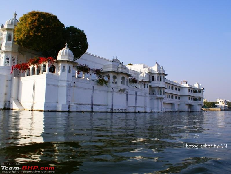 Name:  Boat ride _ Pichola Lake_Lake Palace and surroundings10.JPG