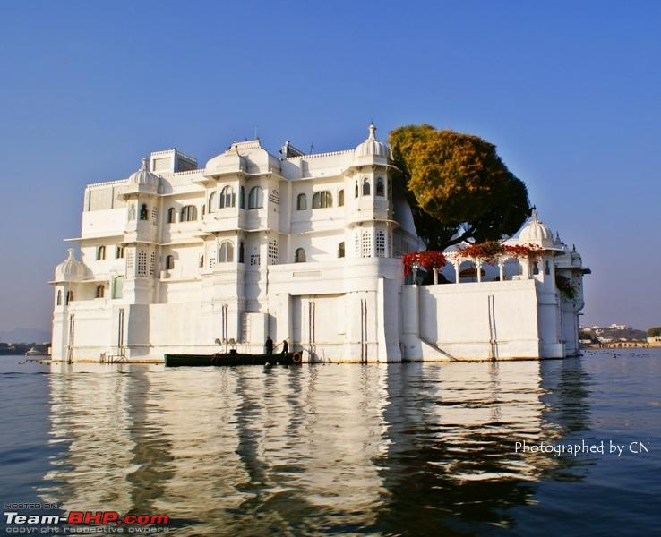 Name:  Boat ride _ Pichola Lake_Lake Palace and surroundings11.JPG