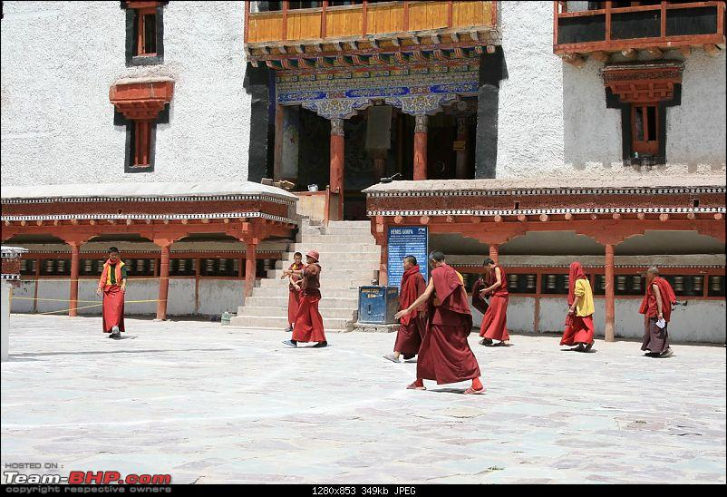 leh photo tripolog 2008-dancing-monks-hemis.jpg