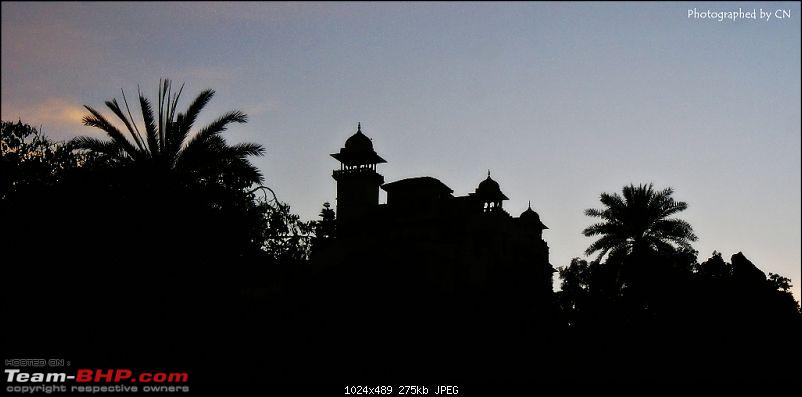 An Incredible Road Trip of a Lifetime to Udaipur, The Most Romantic City in the World-12-silhouette_of_the_palace.jpg