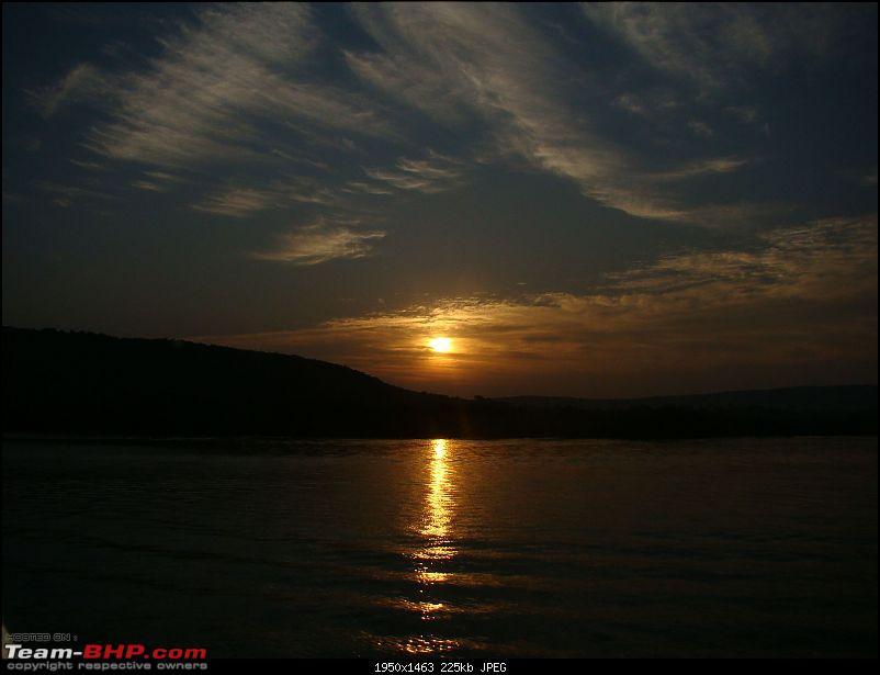 Beach vacation : Maharastra - Goa - Karnataka.-houseboat-sunrise-1.jpg