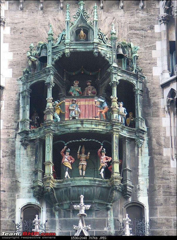 An Old Travelogue - Germany 2006-003-gockenspiel-marineplatz-munich.jpg