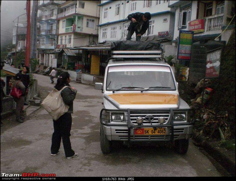 Gross Travelling Happiness - Bhutan, Sikkim, Darjeeling-tamang-1.jpg