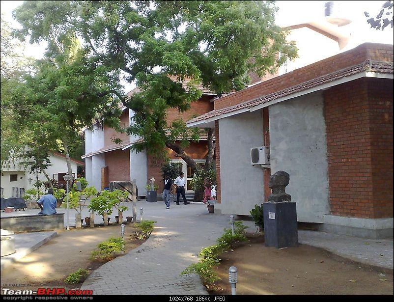 Cholamandal Artists Village- A visit-artgallery-049-large.jpg