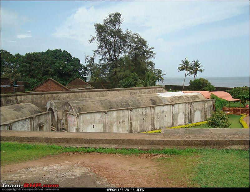 A Memmorable Vacation in Home Town and a Monsoon drive back to Bangalore-kannur-fort_3.jpg