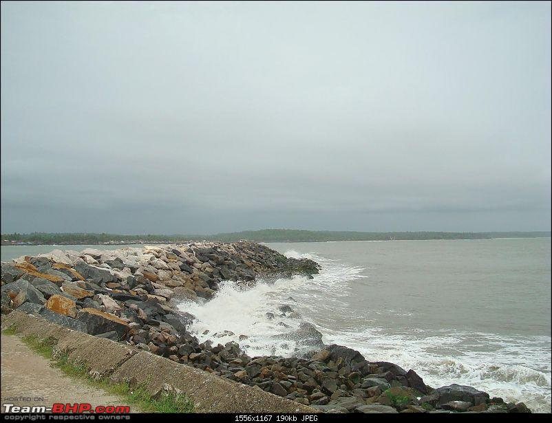 A Memmorable Vacation in Home Town and a Monsoon drive back to Bangalore-kannur-fort_9.jpg