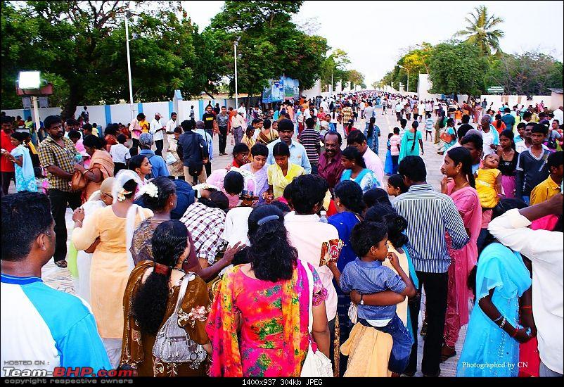 An incredible road trip to Velankanni, Kodaikanal and Ooty-9-people_crowding_at_our_ladys_tank.jpg