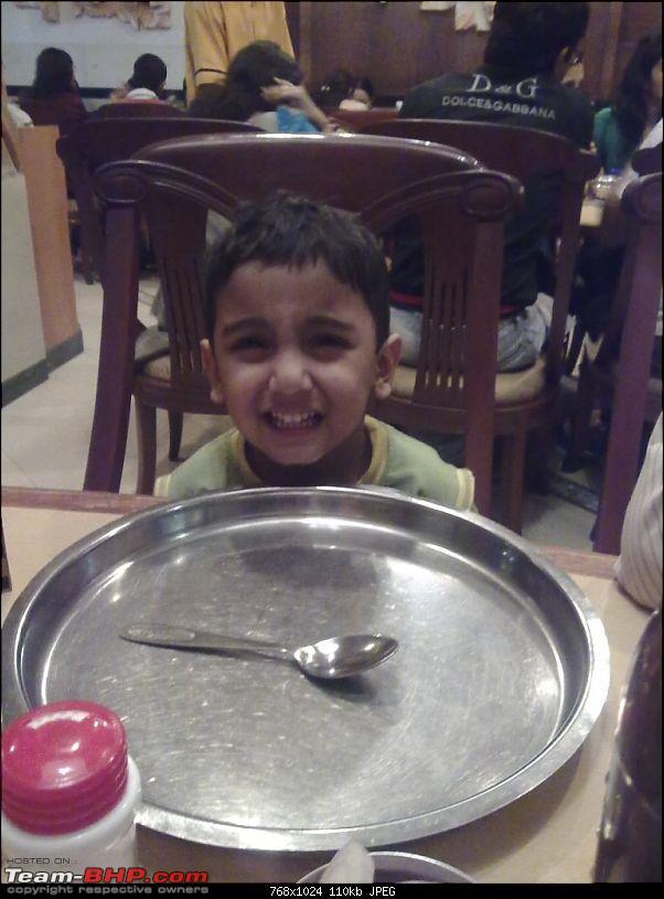 Story of a Barbeque Summer : Kuch Khatta Kuch Meetha.-58-dinner-family.jpg