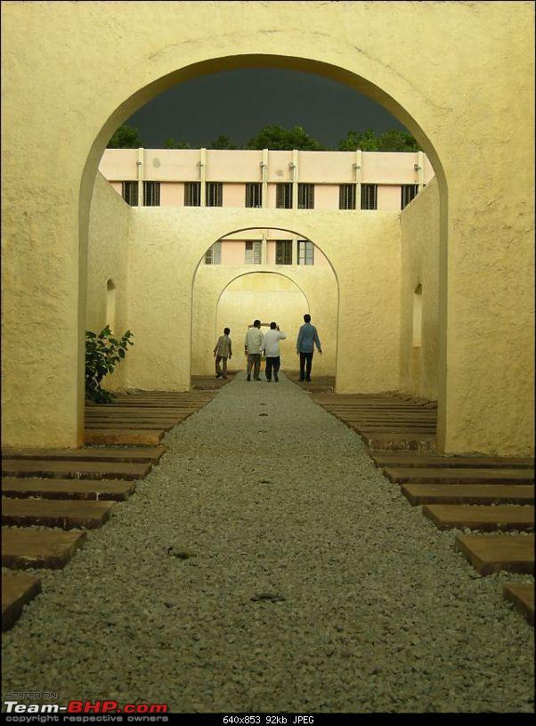 Jailed in Bangalore --blr_jail_barracks_2.jpg