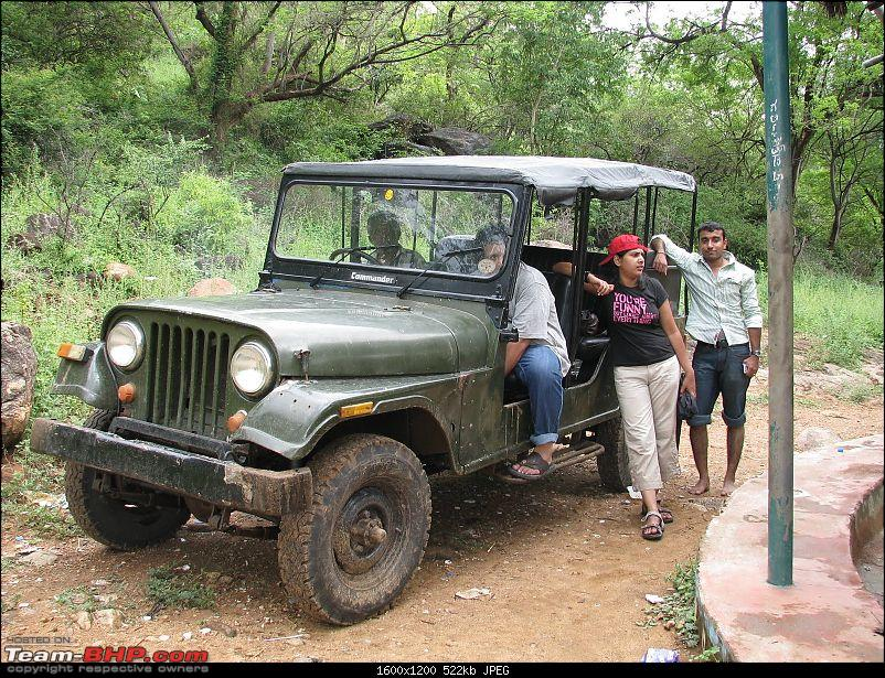 One day getaway from Bangalore--Muthathi & Mekedatu Trip.-jeep.jpg