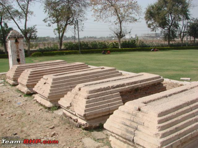 Name:  Five graves where the artisans were buried live.JPG Views: 385 Size:  151.1 KB