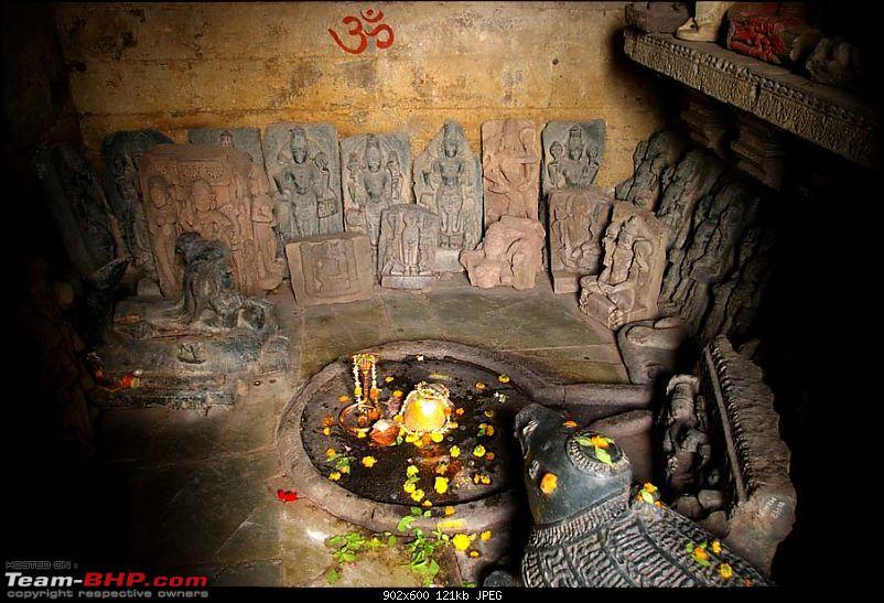 Went in search of Shiva - Found him blocking my way-mamaleshwar-3.jpg