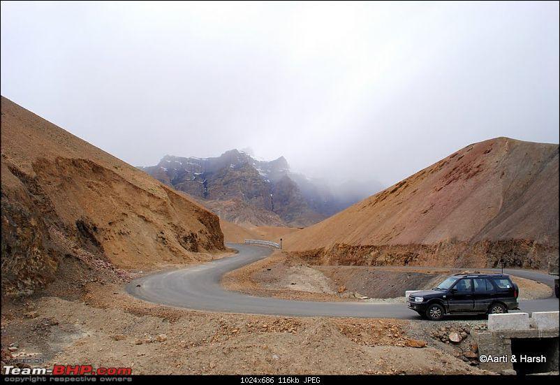 4500 km, Two Idiots & a Wild Safari in Ladakh-109_approaching-namiki-la.jpg
