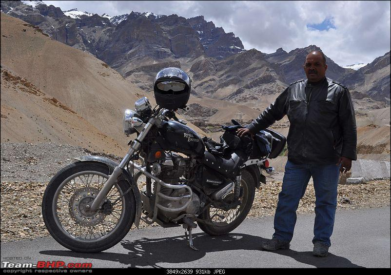 Ladakh.....Age no bar-me-bike-lamarayu.jpg