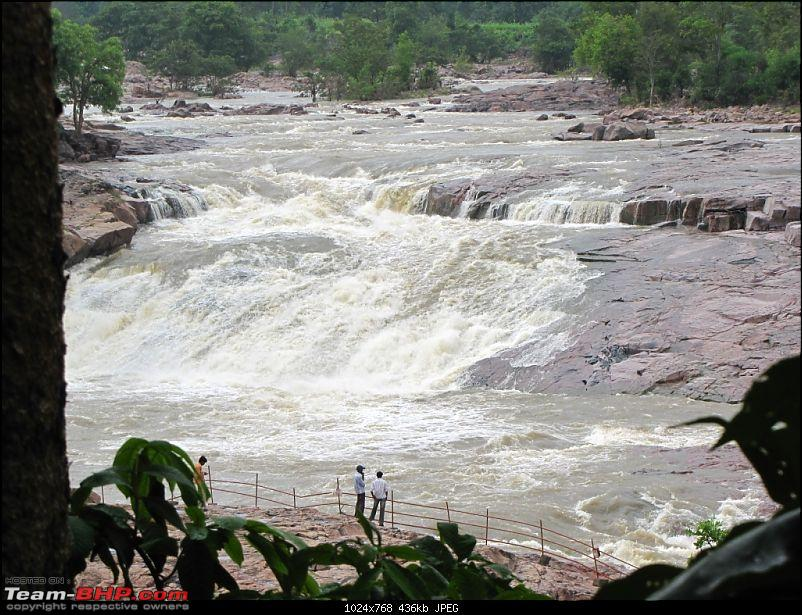 A day trip to Kuntala Waterfalls-img_4094.jpg