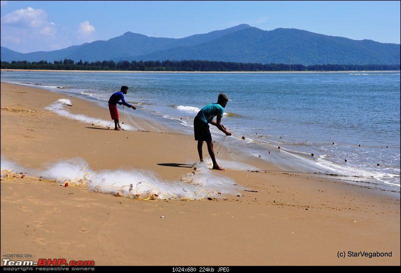 Micro-Travelogue : Devbagh Beach Resort at Karwar-036-watching-some-fishing-activity.jpg