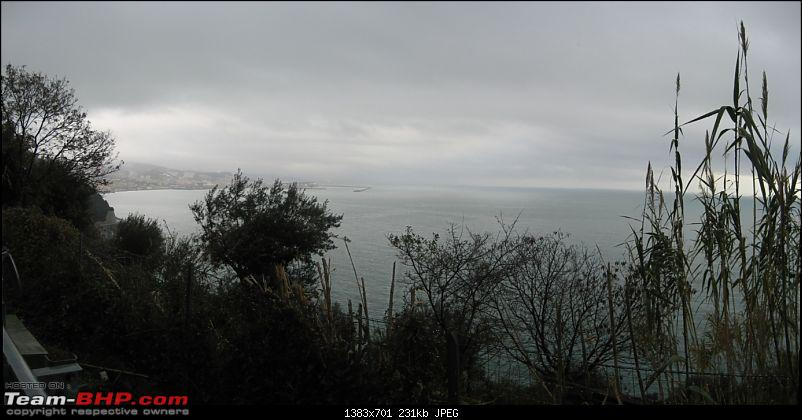 A different coastal drive - Milano to Rousset.-2_just_genova_pano.jpg