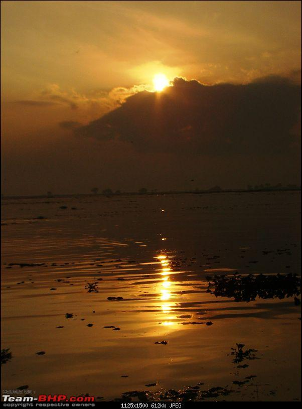 Southern Odyssey : 5000 kms through South India-6-sunrise-near-docking-point.jpg