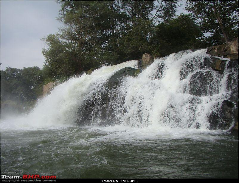 Southern Odyssey : 5000 kms through South India-16-hogenakkal-waterfall-5.jpg