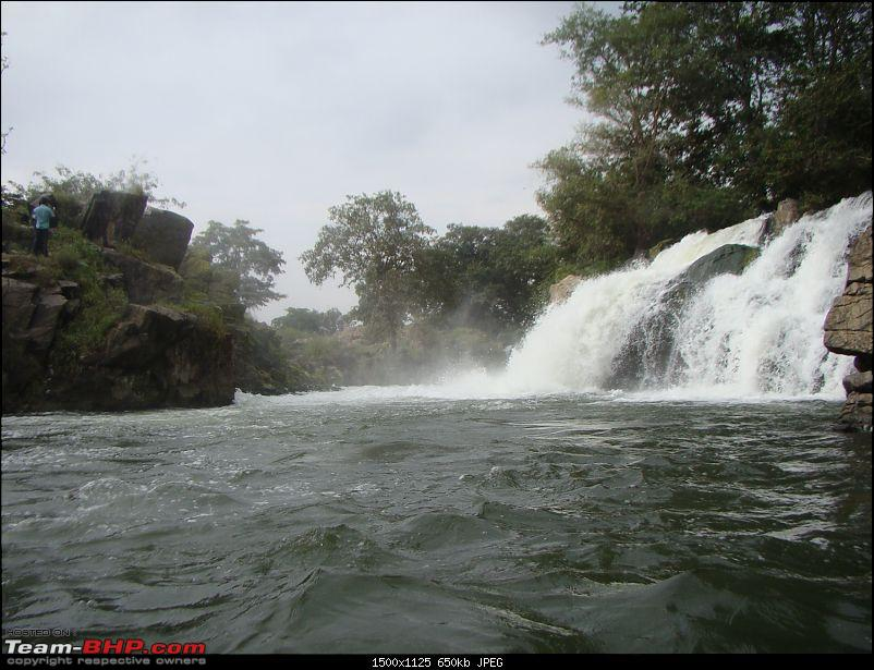 Southern Odyssey : 5000 kms through South India-17-hogenakkal-waterfall-6.jpg