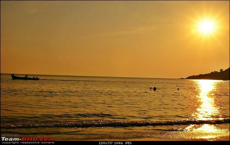 "An incredible road trip to the ""Pearl of the Orient"" – Goa-22-beautiful-palolem-beach.jpg"