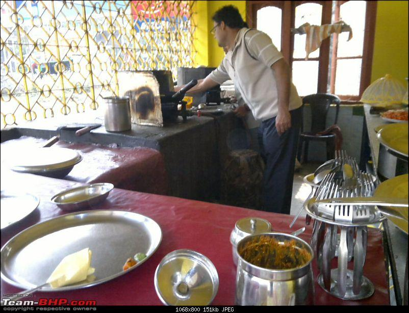 ₪ On the Road: Guwahati - Shillong [photologue]-breakfast2_1.jpg