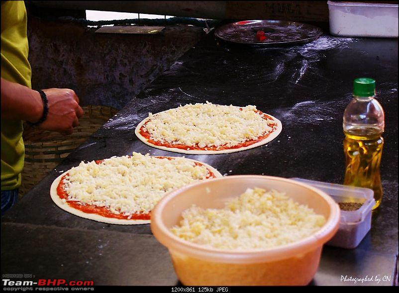 An incredible road trip to the �Pearl of the Orient� � Goa-22-wood_oven_pizza.jpg