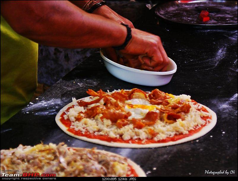 An incredible road trip to the �Pearl of the Orient� � Goa-27-wood_oven_pizza.jpg