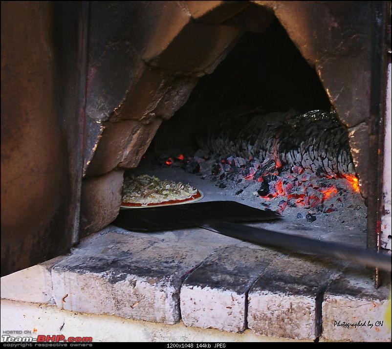 An incredible road trip to the �Pearl of the Orient� � Goa-30-wood_oven_pizza.jpg