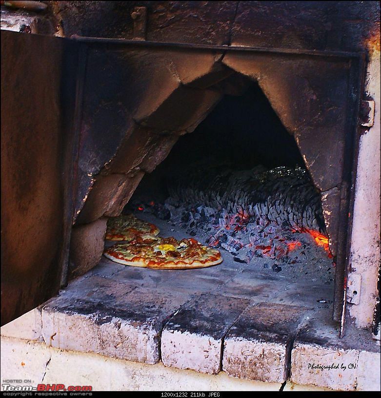 An incredible road trip to the �Pearl of the Orient� � Goa-35-wood_oven_pizza.jpg