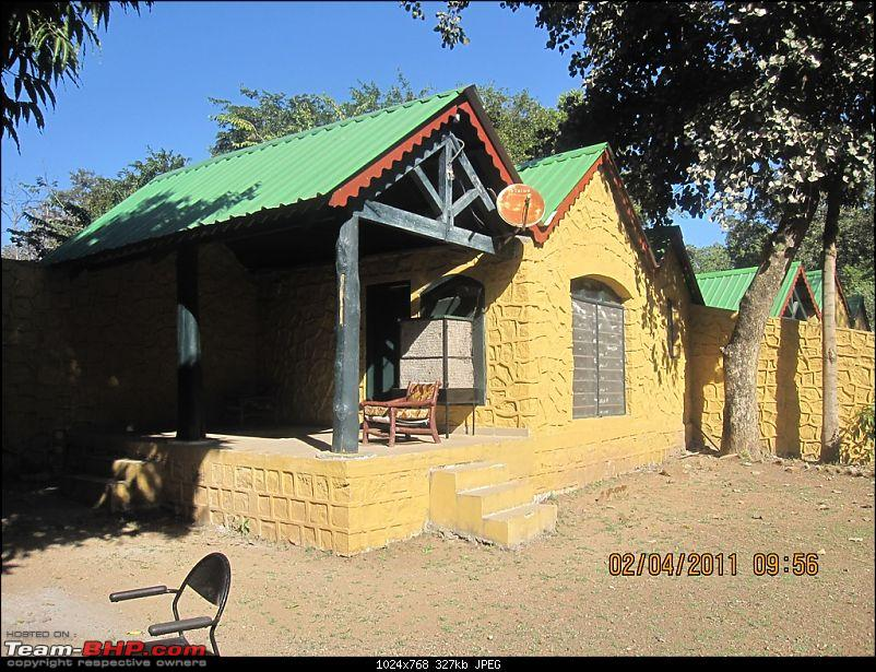 'Getz'ing away: Hyderabad - Nagpur - Kanha - Pench-09.cottage-view.jpg
