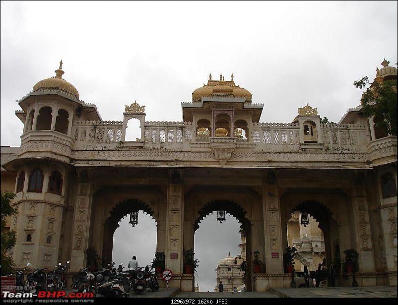 Shifting base : A road trip thru' Pune-Baroda-Ah'bad-Udaipur-Ajmer-Gurgaon!-dsc05098.jpg