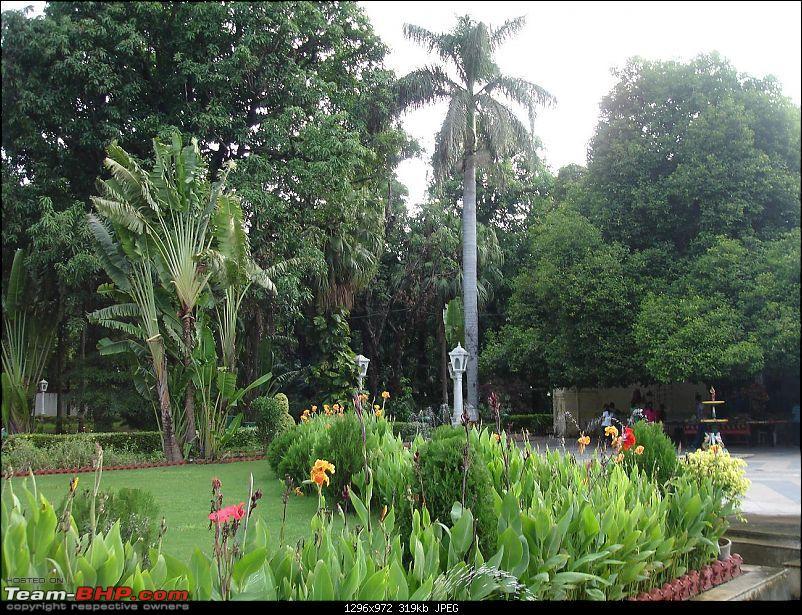 Shifting base : A road trip thru' Pune-Baroda-Ah'bad-Udaipur-Ajmer-Gurgaon!-dsc05142.jpg