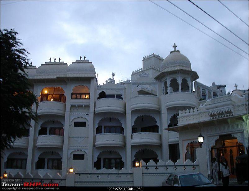 Shifting base : A road trip thru' Pune-Baroda-Ah'bad-Udaipur-Ajmer-Gurgaon!-dsc05171.jpg