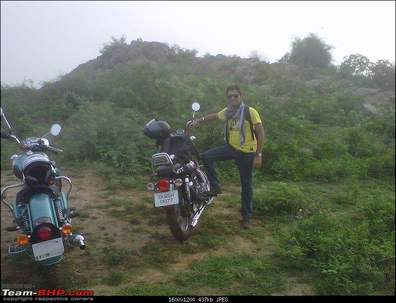 2 New Bulls & 2 new riders on an off roading trip to Bhondsi - with Pics-img00570201107020646.jpg