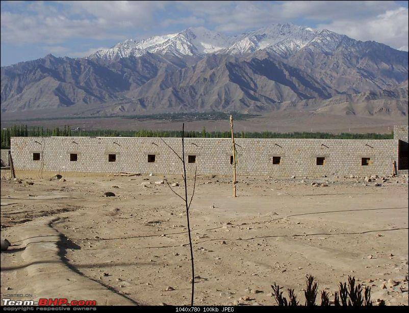 Hawk-On-Fours� (H-4�) Roadtrip:  Leh(t)'s go to Ladakh & Srinagar with QuickSilver.-shy-8k100.jpg