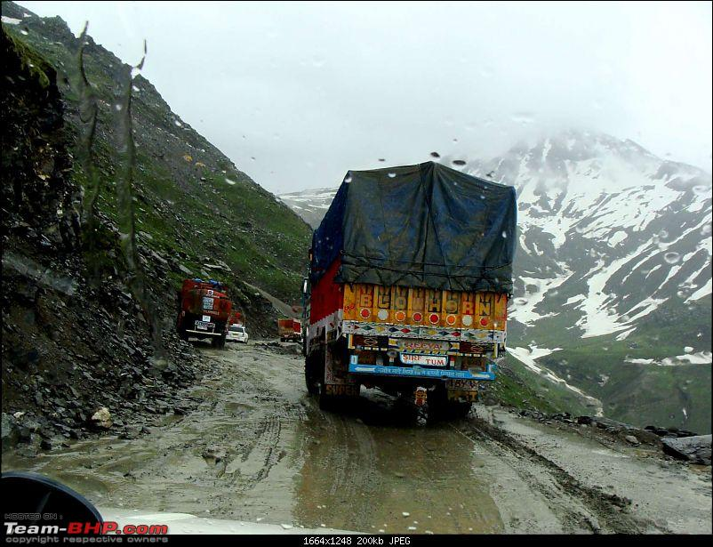 Hawk-On-Fours® (H-4®) Roadtrip:  Leh(t)'s go to Ladakh & Srinagar with QuickSilver.-rohtang2manali-10k200.jpg
