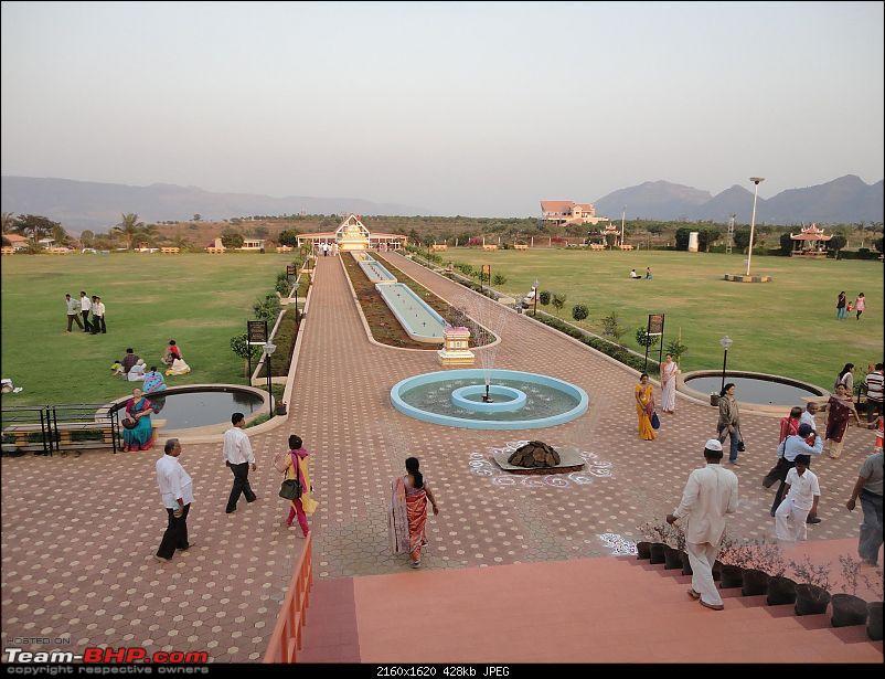 2011 Monsoon Trips: Hadshi (Temple, Lotus Flowers, Paddy Fields, Rolling Green Hills)-28210.jpg