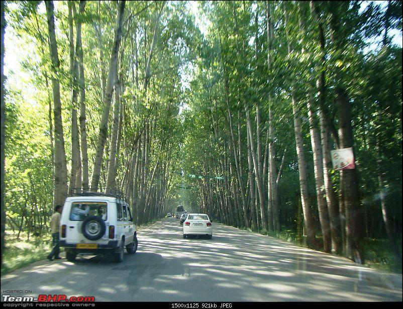Ladakh: A sojourn to the roof of the world�over 21 days and 6500kms!!-d4-8-enroute-srinagar.jpg