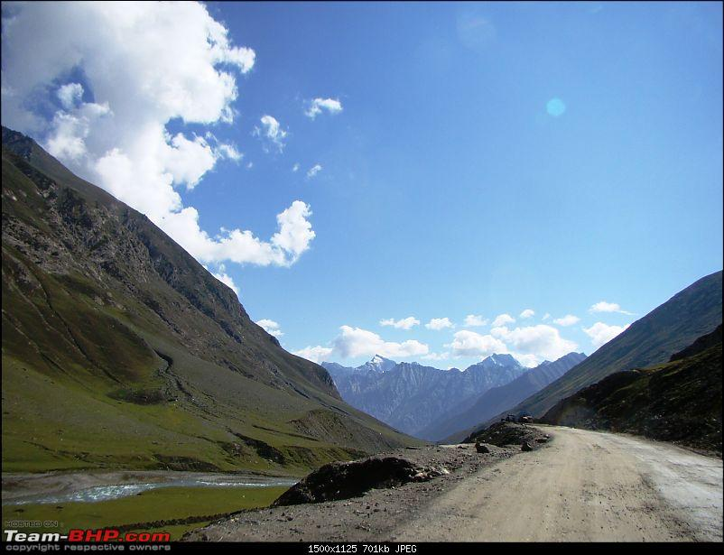 Ladakh: A sojourn to the roof of the world�over 21 days and 6500kms!!-d6-17-enroute-kargil.jpg