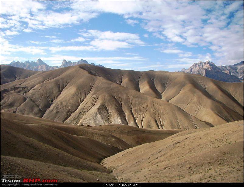 Ladakh: A sojourn to the roof of the world�over 21 days and 6500kms!!-d7-5-enroute-leh-dino-legs.jpg