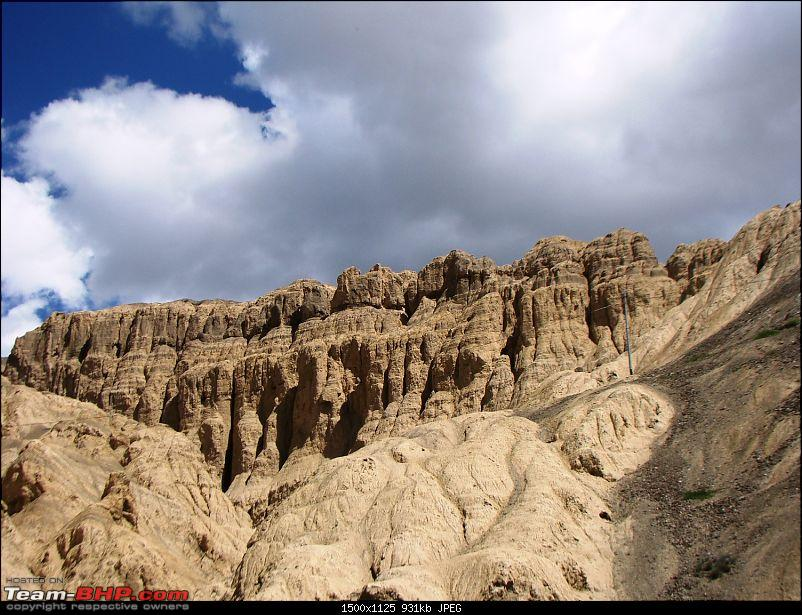 Ladakh: A sojourn to the roof of the world�over 21 days and 6500kms!!-d7-16-lamayuru-gompa-moonscape-b.jpg