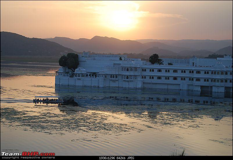 Road Trip Pune-Mt. Abu-Jodhpur-Jaisalmer-Udaipur-Chittor-udaipur-lake-palace-its-sunset-dress.jpg