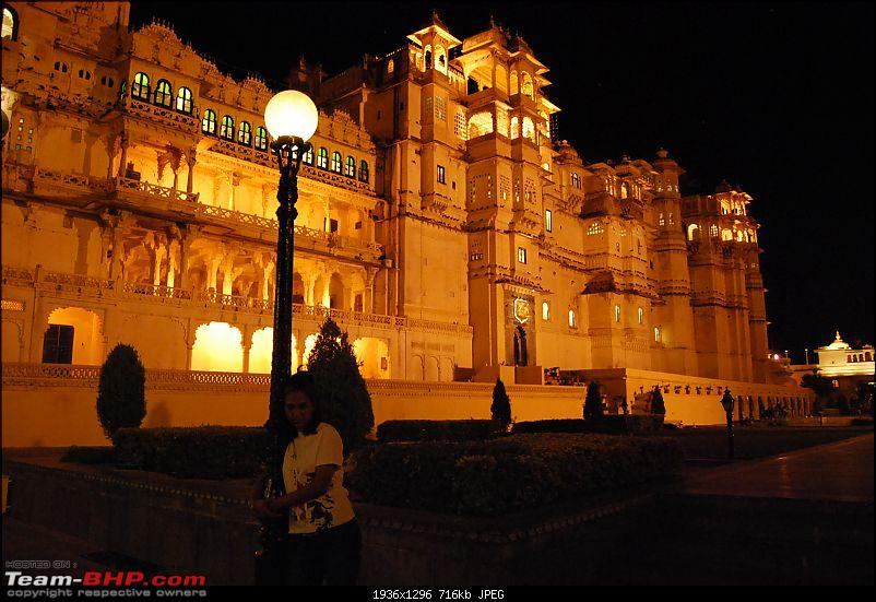 Road Trip Pune-Mt. Abu-Jodhpur-Jaisalmer-Udaipur-Chittor-udaipur-city-palace-fully-lit-beautiful.jpg