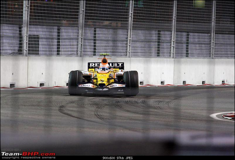 The Historic Singapore Formula One Night Grand Prix-singaporegp015.jpg