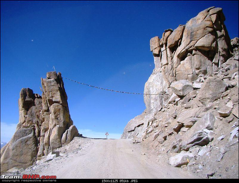 Ladakh: A sojourn to the roof of the world…over 21 days and 6500kms!!-d11-2-enroute-nubra-valley-india-gate.jpg